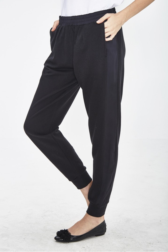 LIGHT-WEIGHT MOLTON ORGANIC COTTON AND RECYCLED POLYESTER PANTS